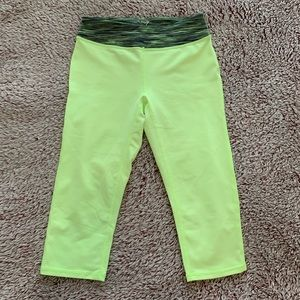 ZELLA GIRL- neon yellow cropped leggings- size L